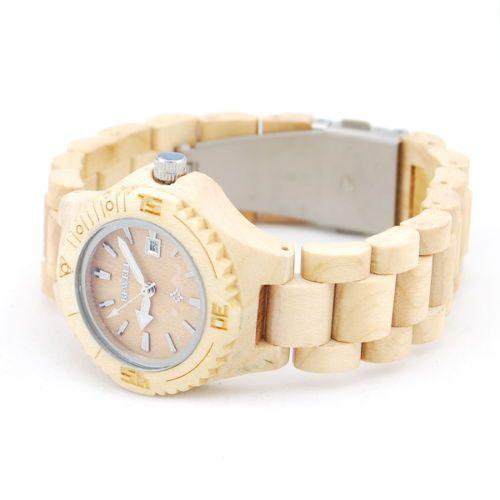 Ons houten horloge Etosha is een heel natuurlijke vrouwenmodel. De subtiele maar toch stoere klok in combinatie met het gebruik van bamboe in alle elementen van dit horloge zorgen voor een horloge met een unieke uitstraling! Naast de looks wordt dit horloge ook gekenmerkt door comfort, vanwege het geringe gewicht en de perfecte afwerking.  http://www.looyenwood.nl/product/houten-horloge-etosha/