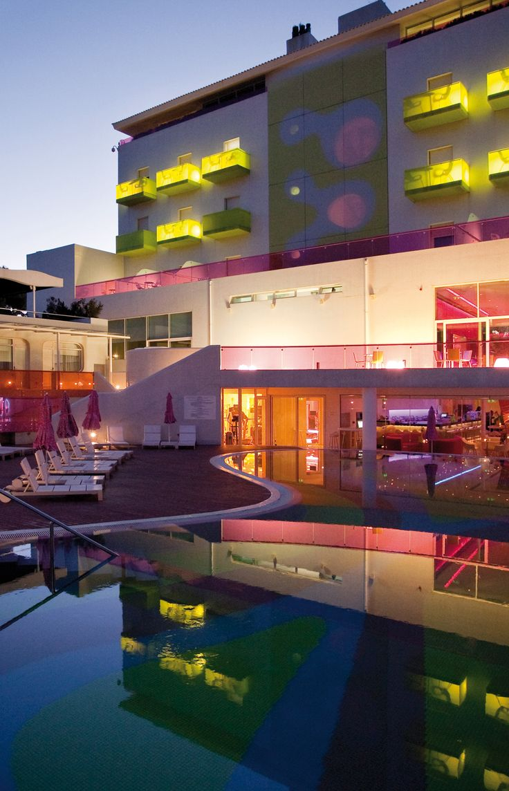 Semiramis Hotel Athens, Greece. For great discounts book with http://www.mediteranique.com/hotels-greece/athens/semiramis-hotel/