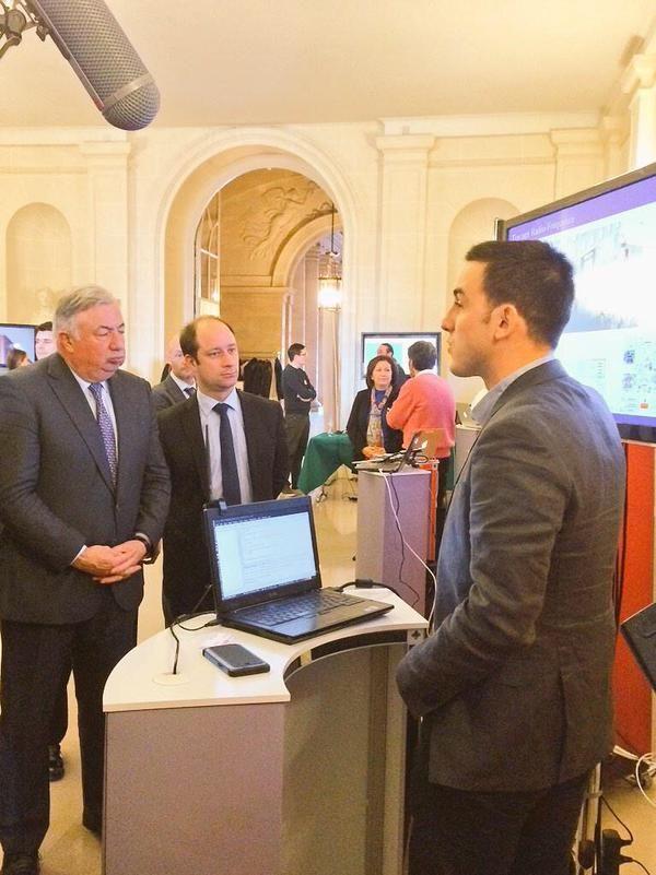 """Loïc Hervé sur Twitter : """"Journée du numérique au Sénat visitée par le Président @gerard_larcher. #InriaAuSénat http://t.co/BvPYoiso1A"""""""
