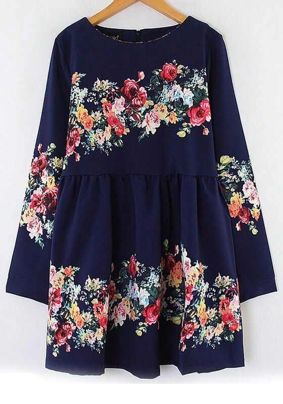 Absolutely adore this navy blue floral dress.. I want