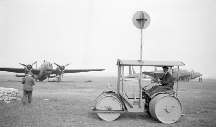 Vickers Wellingtons Mk.I, No. 75 Squadron RAF, probably RAF Feltwell, 1940