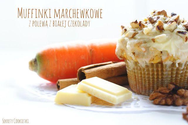 Muffinki marchewkowe z polewą z białej czekolady
