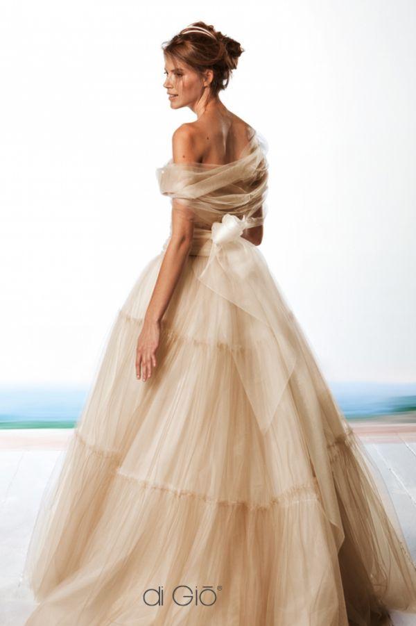 Featured Dress: Le Spose di Giò wedding dress