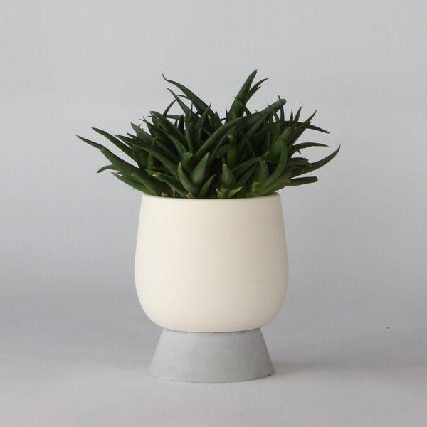 SC80 CERAMIC+CONCRETE VASE+POT ↔14.5cm↑20.0cm. White matte ceramic + grey matte concrete vase + pot. High quality handmade objects Designed+Made by Decovery | Essential Details.