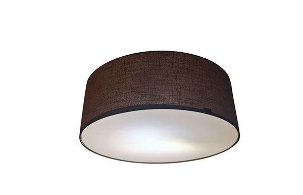 Lusito Di'sign Závěsná a stropní přisazená svítidla Nabízíme komplexní řešení interiérového osvětlení v jednotném designu. Jako centrální osvětlení místnosti můžete volit stropní přisazená svítidla i závěsné lustry v různých rozměrech buď jako výrazný solitér nebo skupinku menších světel. Stejné nebo podobné provedení stínidel hlavních i doplňkových svítidel vám zaručí dokonalé sladění a vytvoří příjemnou atmosféru. Na zakázku vyrobíme stínidla i z dodané látky.