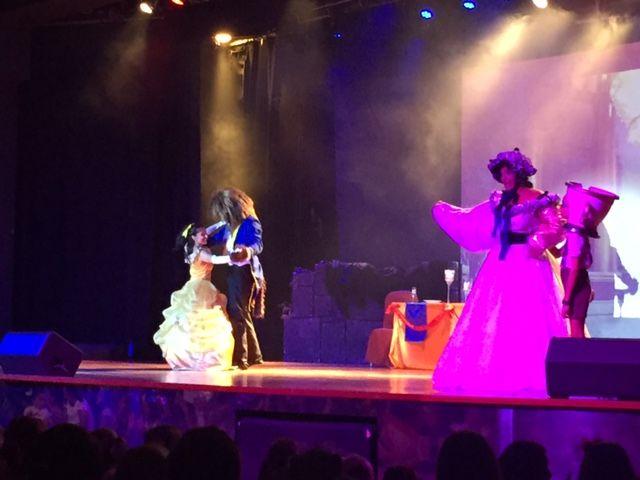 Espectáculo la Bella y la Bestia en el Barceló punta Umbría Beach