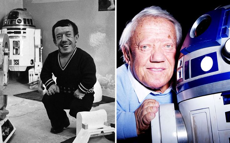 Rest in Peace Kenny Baker, you were a legend and always will be. (photos 1977 And 2015)
