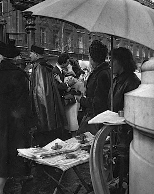 France. Paris 1950 // Photo: Robert Doisneau