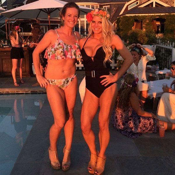Bikini-Stars: Jessica SimpsonDas fleißige Training hat sich gelohnt! Entsprechend stolz zeigt Jessica Simpson jede Menge durchtrainiertes