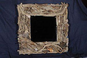 specchio-di-legnetti-di-mare-e-conchiglie-pezzo-unico