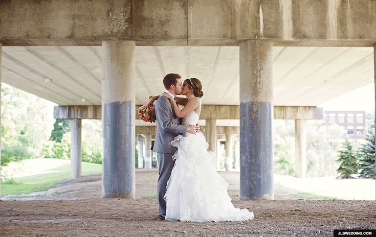 https://www.popsugar.com/love/Wedding-GIFs-35504965