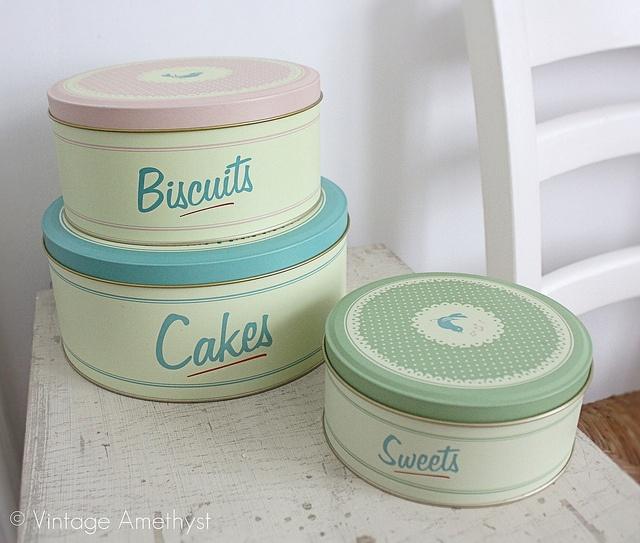 Food tins.: Baileys, Vintage Tins Sweet, Vintage Kitchens, Cooking Business, Food Tins, Ae Dining, Photo, Kitchens Goods Vintage, Cakes Tins