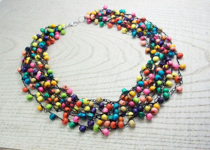 VERSAND IST KOSTENLOS. Multi-Colored Holz Halskette, Glasperlen-farbig Halskette, bunt Perlen, jeden Tag Halskette, Brautjungfer, Frauen by UkrainianBeadJewelry on Etsy