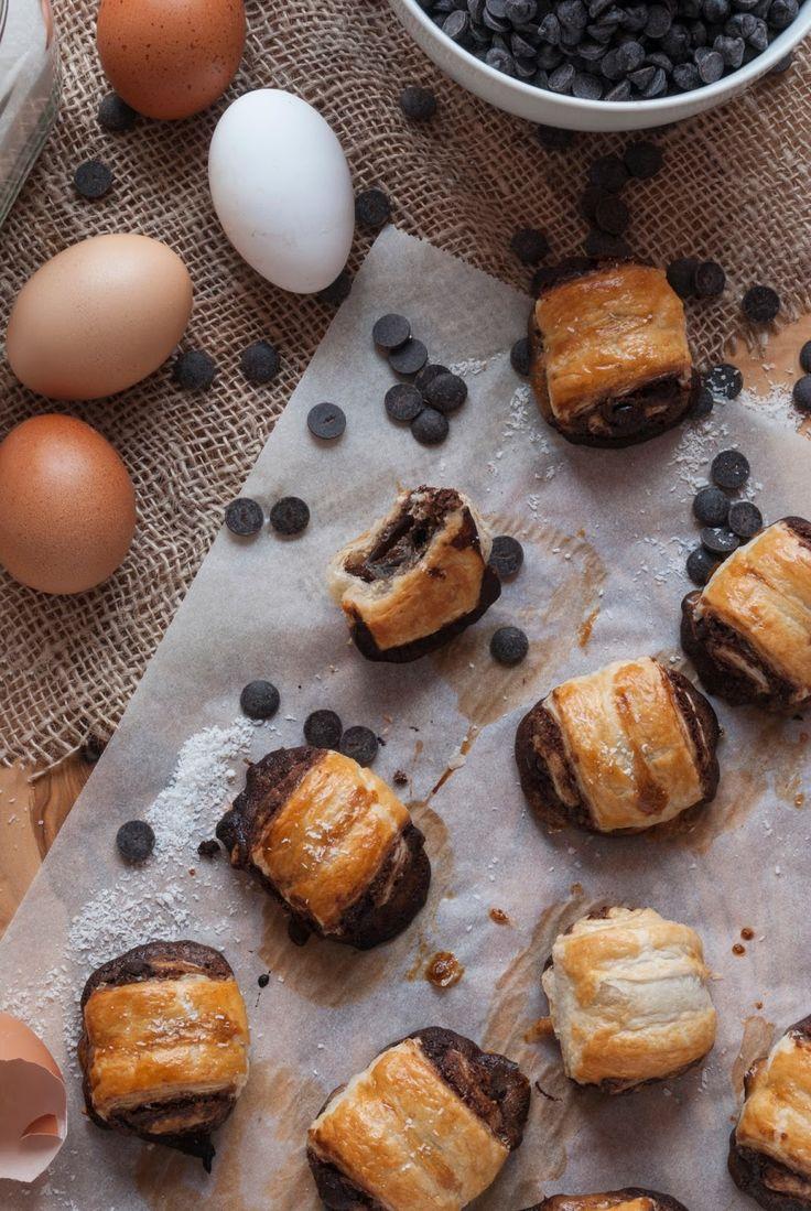 La asaltante de dulces: Receta de rollitos de hojaldre, coco y chocolate/ Pastry puff coconut & chocolate rolls recipe
