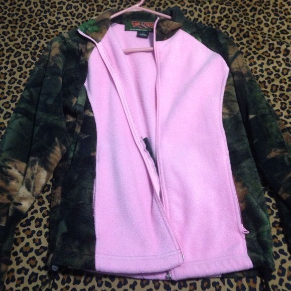 Pink camo jacket Fleece jacket! *listed as Ariat for views* Ariat Jackets & Coats