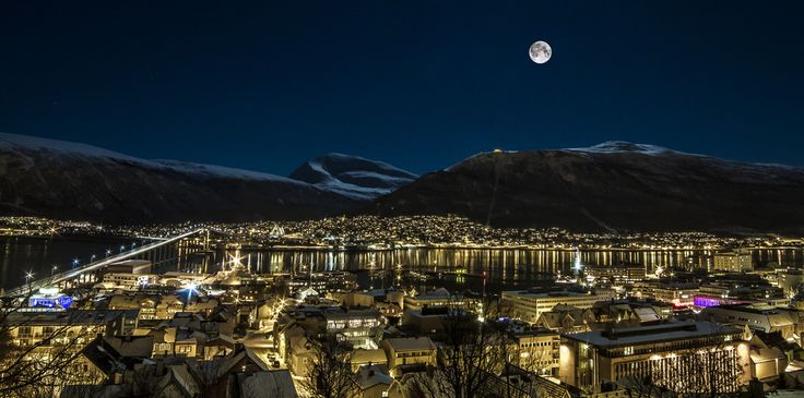 [5026x2496] Polar night in Tromsø Norway[20481017] /r/CityPorn. wallpaper/ background for iPad mini/ air/ 2 / pro/ laptop @dquocbuu