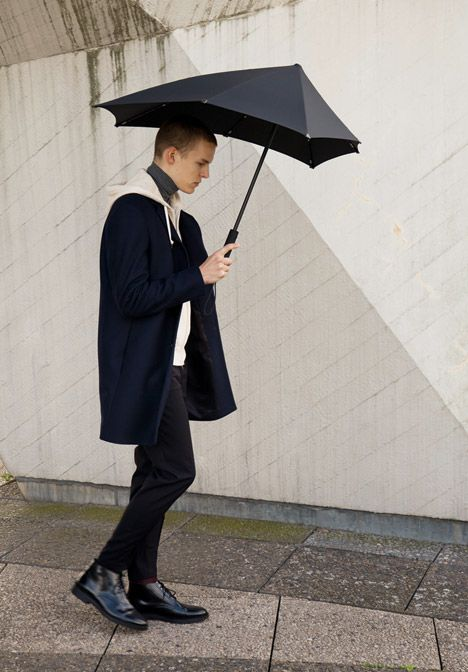 Senz umbrella by Yoske Nishiumi has added patterns and colors. Still so enamored by the shape. #nov2014