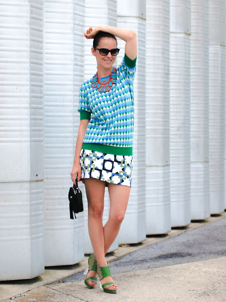 Bittersweet Colours masterfully mixing patterns in a Joe Fresh top!
