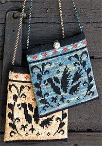 Stickad väska med mönster från Sånga kyrka i två färgsättningar