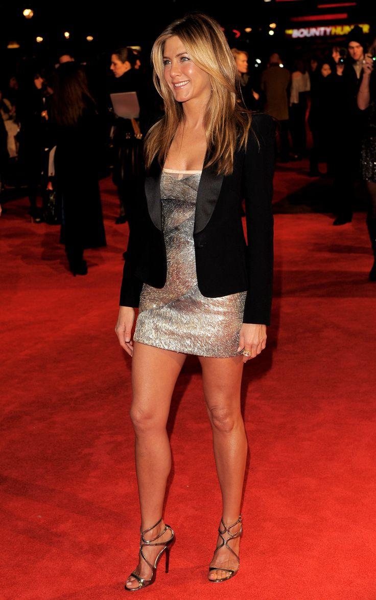 Jennifer Aniston {where this blazer hits: top half of the butt}