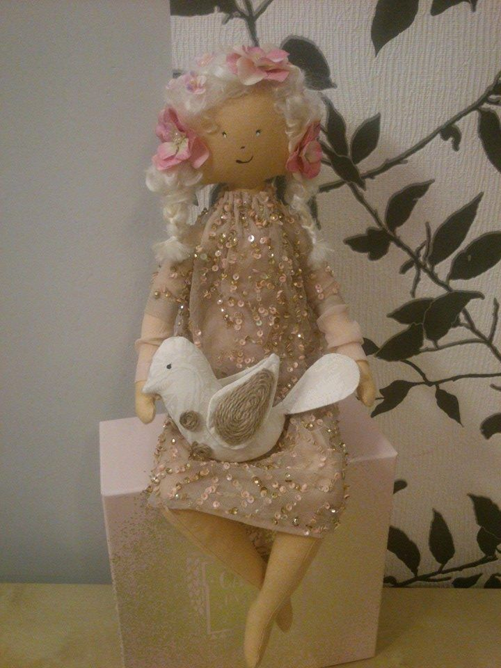 panenka romantička s ptáčkem :-)