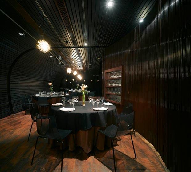 Restaurant 'Hispano Nueva Tradición' by Clavel Arquitectos