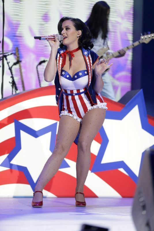 Pin on Katy Perry costumes