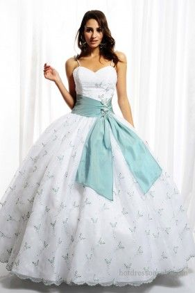 This is kinda like the dress I think about during the sound of music when she sings girls in white dresses with blue satin sashes!! Lol