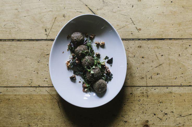 Moroccan style chickpea balls, baba ganoush & fresh coriander (vv / gf)