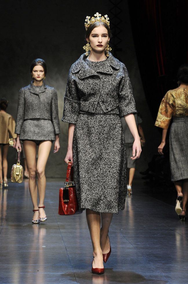 valentino fashion review