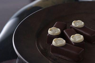 ドンペリを使ったリッチなチョコをホワイトデーにいかが? - ジョン・カナヤから大人のショコラ登場