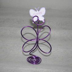 Marque-place papillon fil aluminium violet pour mariage ou baptême
