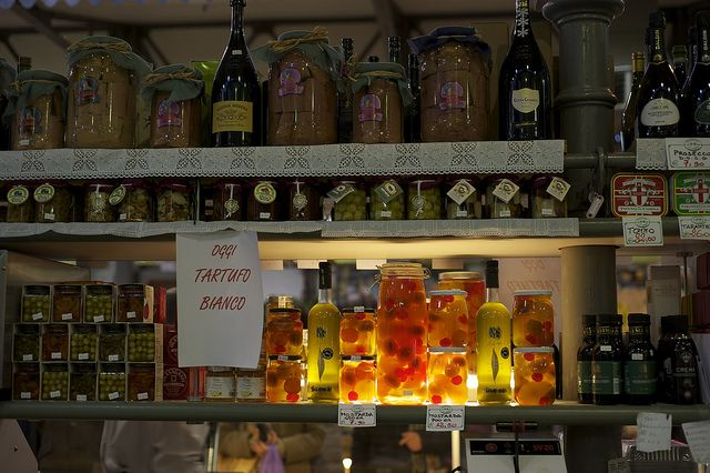 Tasty Tales from the Italian Ham Highway:Modena: Fast Cars and Slow Food