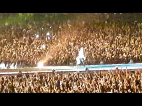 Coldplay singapore  hymn for the weekend - YouTube