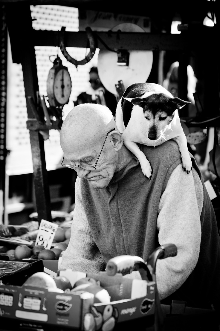 Portobello Road market The most famous guy in Portobello Road, lovely character!