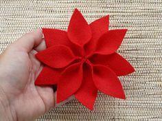 Como fazer a flor do natal em feltro, dica de artesanato                                                                                                                                                                                 Mais
