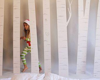 Je suis officiellement en amour avec cette famille de cerfs. Ils sont tout simplement adorables. Ce serait formidable pour une fête de Noël, vitrine de Noël ou même tout simplement sur le porche (sec).  Cette liste est pour tous les 3 cerfs:  Buck: 67 pouces de hauteur Biche: 48 pouces de hauteur Bébé: 37 pouces de hauteur  Le cerf en carton est fabriqué à partir de 1/8 en carton recyclé coupé avec une lame de couteau. (donc il ne PUE comme carton découpé au laser) Il est super facile à…