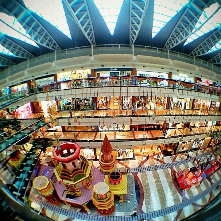 Pondok Indah Mall 2 Jakarta Selatan dekat dengan Elliottii Residence, rumah kost eksklusif di Cipete Utara.