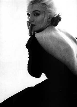 Marilyn Monroe: Make Money, Marilyn Monroe, Backless Dresses, Classic Beautiful, Marilynmonroe, Norma Jeans, Real Beautiful, Strike A Poses, Black