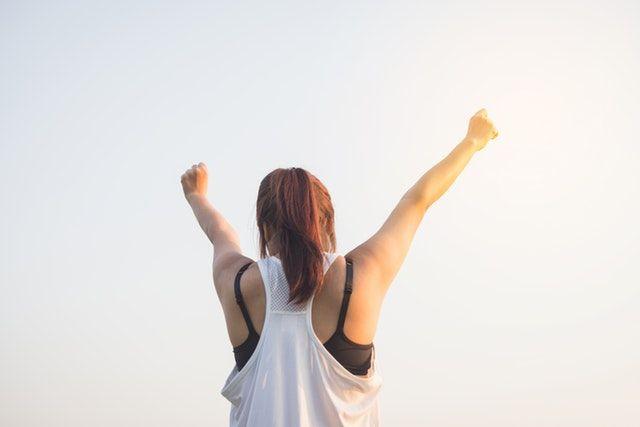 """Felicidad.nombre femenino. Estado de ánimo de la persona que se siente plenamente satisfecha por gozar de lo que desea o por disfrutar de algo bueno.  Real Academia Española. Esta definición sobre la """"felicidad"""" me permite introducir los factores de motivación en el sector laboral que nos hacen ser mas felices en nuestro puesto de trabajo.   #felicidad #motivación #productividad"""
