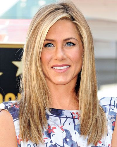 Jennifer Aniston's Long Layers WHAT THE PROS LOVE That length—below the collarbone but above the breasts—is very flattering. And you can create any style with it, up or down, says Trygstad. WHO IT WORKS FOR It balances most face shapes lengthwise, but it won't do much to offset a wider one.