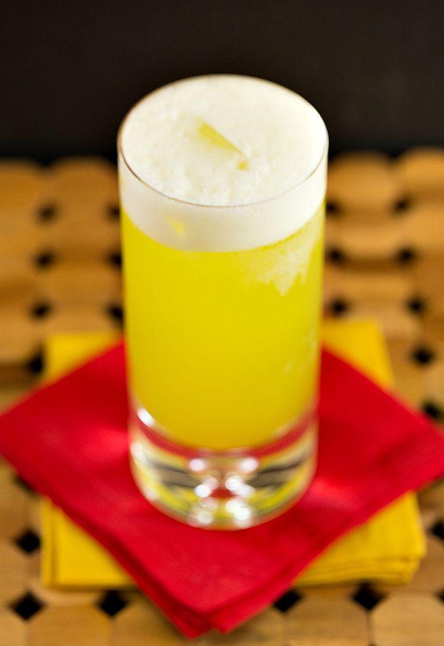 Juicy Fruit   vodka, peach schnapps, melon liqueur, pineapple juice     www.thedrinkkings.com #cocktails #drinks