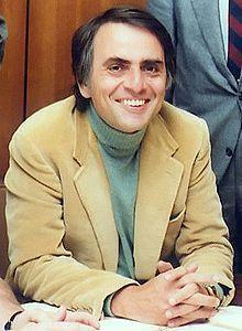Carl Sagan - Se la fora não houver vida, será um grande desperdício de espaço ;)