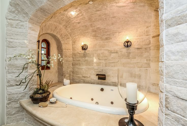 Spanish style bathroom tub living the dream for Spanish style bathroom