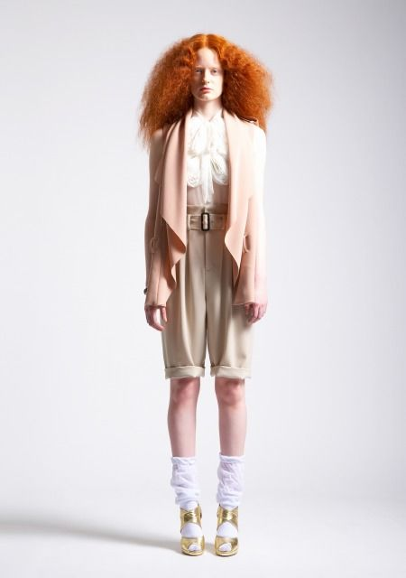 Knickers / Poetic blouse / Soft neutrals / Gold metalic sandals / Flame-red crimped, frizzy hair / Designer: Mamizu