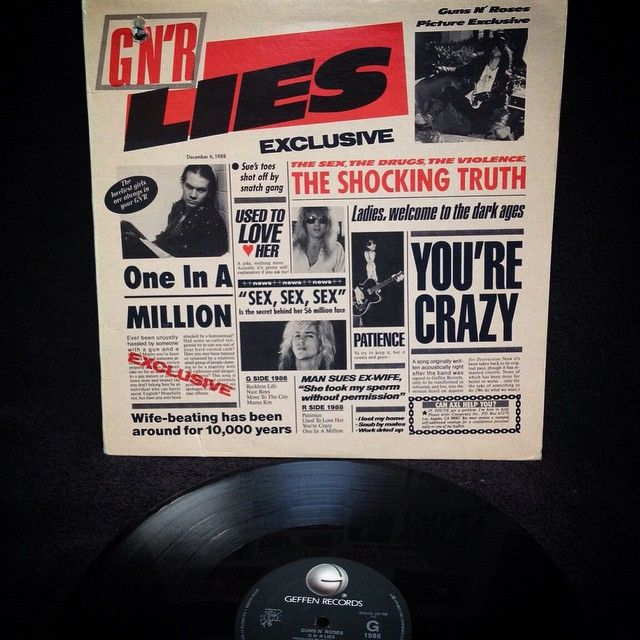 Guns and Roses - GNR Lies1988, CANADA, Geffen Records XGHS 24198Original de 1988, prensado en Canadá, insertos originales y gran sonido