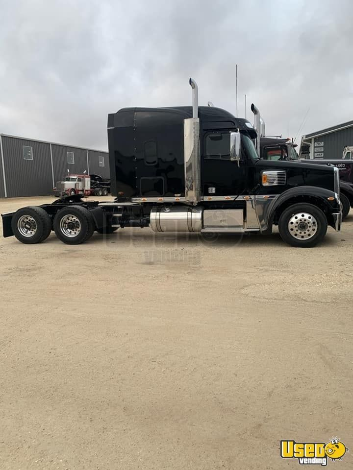 2020 Freightliner Coronado W Glider Kit Dual Exhaust Sleeper Cab Semi Truck For Sale In Iowa In 2020 Semi Trucks For Sale Trucks For Sale Semi Trucks
