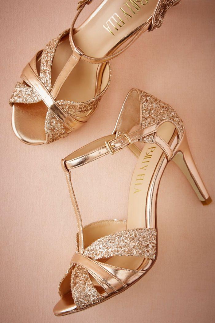 7c96e936b3ce chaussure dorée mariage, modèle type chaussures de danse latino, escarpin  mariage, talons hauts en couleur dorée, matière irisée