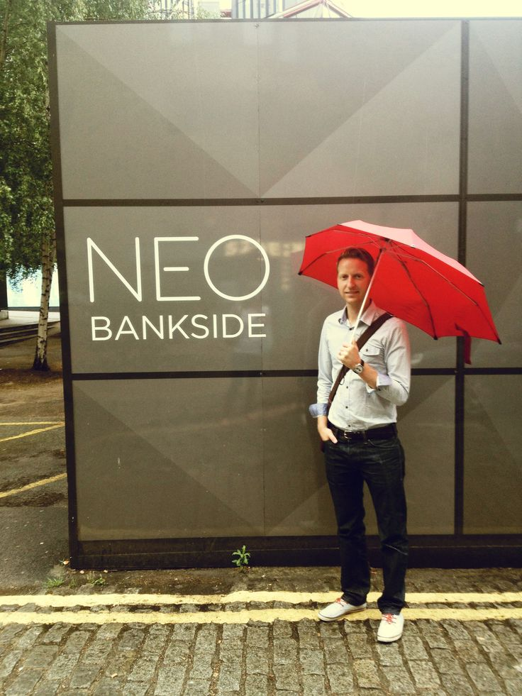 Coincidence?! Founder & CEO Anthony Keane finds a #Gneo namesake on the way to the video shoot!