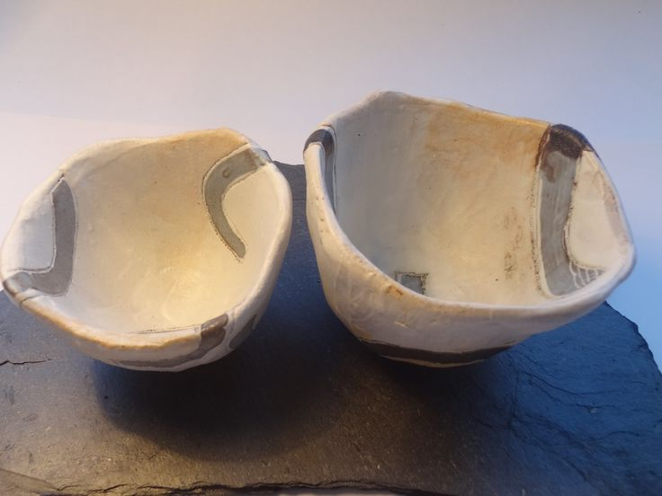Emily Parr Ups and downs pinch pots  #pottery #incise #clay